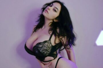 Big Tits Russian PAWG Loves Sex Chat On Cam