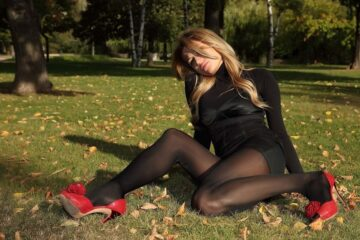 Hot Russian PAWG Wearing Pantyhose And Red High Heels In The Park